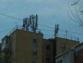 Los vecinos de Zarzaquemada se oponen a las antenas