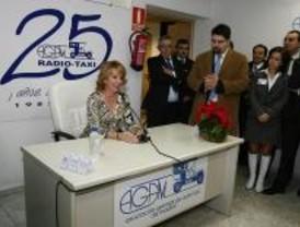 Aguirre felicita la Navidad a los taxistas madrileños y les oferce su apoyo
