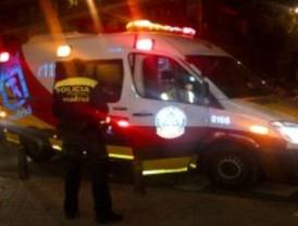 Herido de gravedad un joven al ser apuñalado en la espalda en Puente de Vallecas