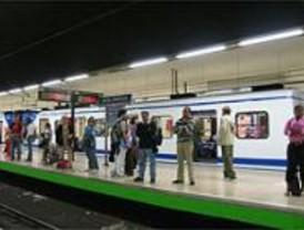 La retirada de un tren al que le fallaron las puertas causas retrasos en la Línea 6