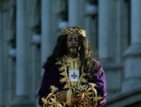 Silencio y lágrimas ante la muerte del Cristo