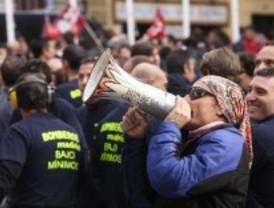 Los bomberos desconvocan la huelga