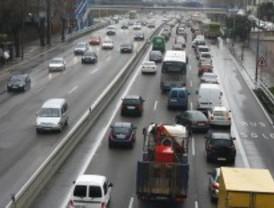 Tráfico lento en las vías de acceso a Madrid