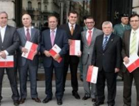 Los alcaldes entregan el Plan Estratégico del sur