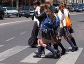El PSOE propone una campaña para que los escolares no carguen más de 15 kilos