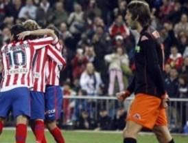 El Atlético golea y sueña con Europa