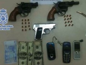 La Policía Nacional detiene a una pareja que asaltó, a punta de pistola, 14 hoteles en tres meses