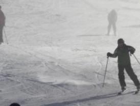 Los jóvenes de Getafe aprenden a esquiar
