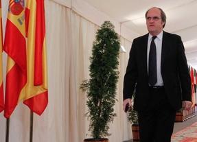 Gabilondo se compromete a subir la Renta Mínima de Inserción a 480 euros