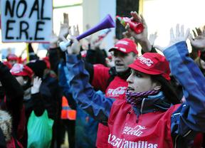 Coca-Cola minimiza el ERE y los sindicatos anuncian más conflictividad