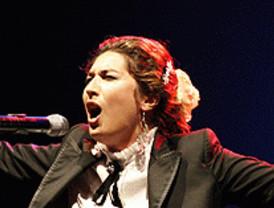 Poesía y cante en Suma Flamenca 2010
