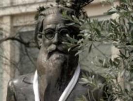 Madrid recupera a Valle-Inclán para el Día del Libro