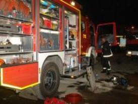 Controlado un incendio en una nave industrial de San Fernando de Henares