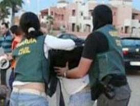 La Guardia Civil detiene a un hombre por ejercer de médico osteópata sin título