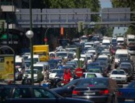 Madrid registra retenciones en sus principales salidas