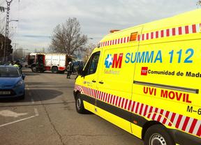 Herido un motorista tras quedar atrapado bajo un camión en Torrejón