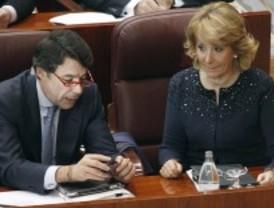 Espadas en alto en el PP por la sucesión de Aguirre