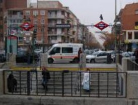 La Policía evitará que los coches aparquen en doble fila cerca del Colegio Perú
