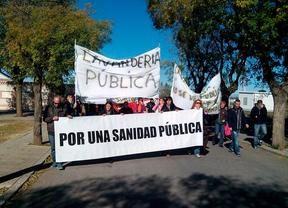 Protesta de los trabajadores contra la privatización de la lavandería central de Mejorada