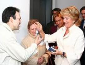 Más de cien personas reciben las llaves de sus viviendas de alquiler en Vallecas