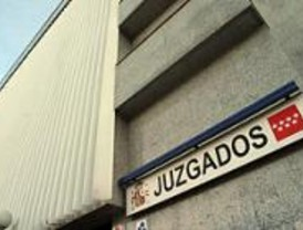 Condenados por abandonar a un perro en un aparcamiento de Barajas