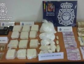 Ocho detenidos por tráfico de drogas