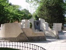 El monumento a García Lorca vuelve a Villa de Vallecas