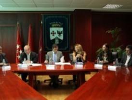 Ayuntamiento y asociaciones firman un convenio para apoyar el comercio tradicional de Alcobendas