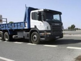 Un herido grave en una colisión de camiones