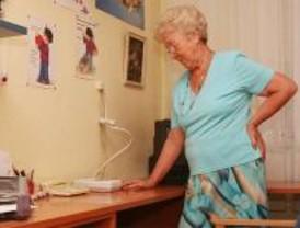 Los mayores presentan más de cien quejas al mes sobre la ayuda a domicilio