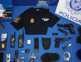 Detenido un falso policía por estafa