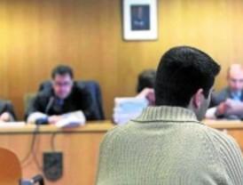 Once años de cárcel para un ciberacosador que robó fotos desnudas a más de 80 chicas