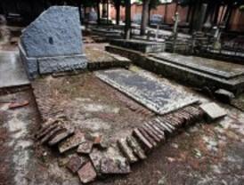 El Ayuntamiento redactará en un año un plan para el cementerio de la Almudena