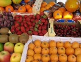 Alcobendas cambia naranjas, peras, plátanos y manzanas por cigarrillos