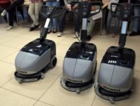 Getafe adquiere nueve máquinas de fregado para la limpieza de los colegios
