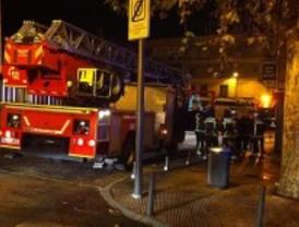 Un incendio arrasa una vivienda en Alcobendas