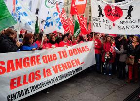 Protesta contra la privatización de la recolecta de donaciones de sangre