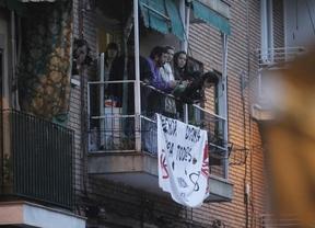 Desalojan a una familia con tres niños, uno de ellos de dos meses y medio, en Ciudad Lineal