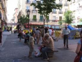 Los vecinos piden que se elimine el aparcamiento de Hernán Cortés para ensanchar las aceras