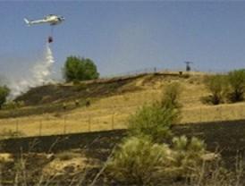 Bomberos de Madrid y la Comunidad extinguen un incendio cerca del Monte del Pardo