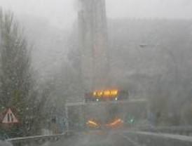 Reabierta al tráfico la M-604 tras las nevadas