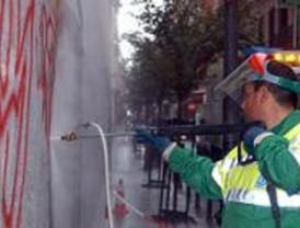 Botella declara la 'guerra' a los graffitis