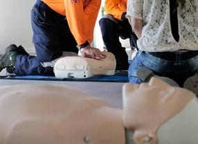 Rcp tecnica de rehabilitación cardiopulmonar realizada por miembros del Samur en el día mundial del paro cardiaco.
