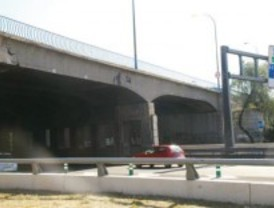 Obras en el puente de avenida del Mediterráneo