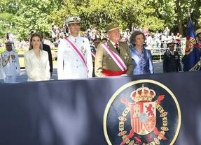 Juan Carlos y Sofía mantendrán el título de reyes