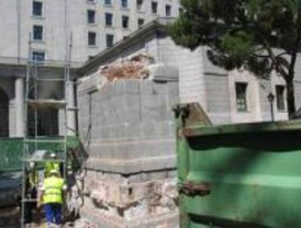 El TSJM confirma la retirada de la estatua de Franco de S.Juan de la Cruz