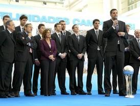 El Real Madrid ofrece la copa del Rey a los madrileños