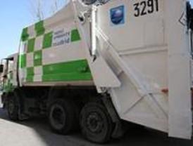 Muere un anciano al ser atropellado por un camión de basura en Hortaleza
