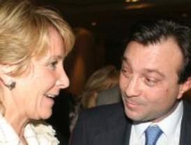 Aguirre pide a Rajoy que juzgue las 'injurias' de Cobo