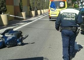 Fallece un motorista de 63 años al impactar contra un macetero de hormigón